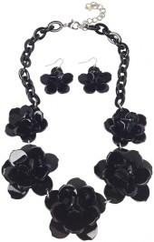 GHome2 Plastic Flower Necklace