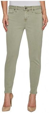 Liverpool Devon Relaxed Ankle Skinny in Stretch Peached Twill in Shadow Green
